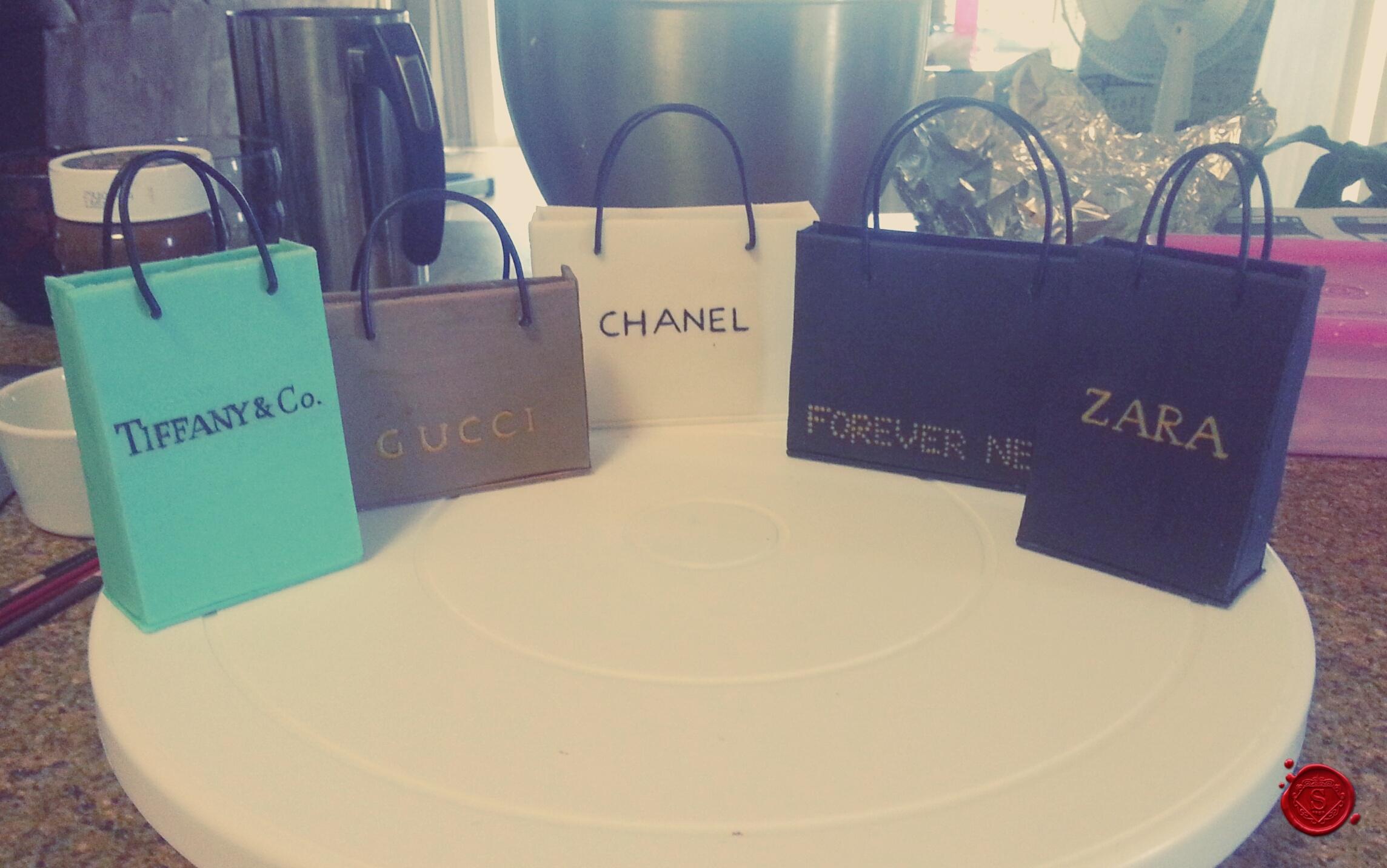 Fondant designer shopping bags sweet house studios for Designer shoppen