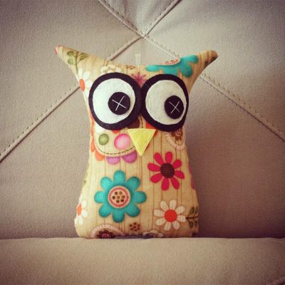 Flower with Wood Background | 18cm Owl